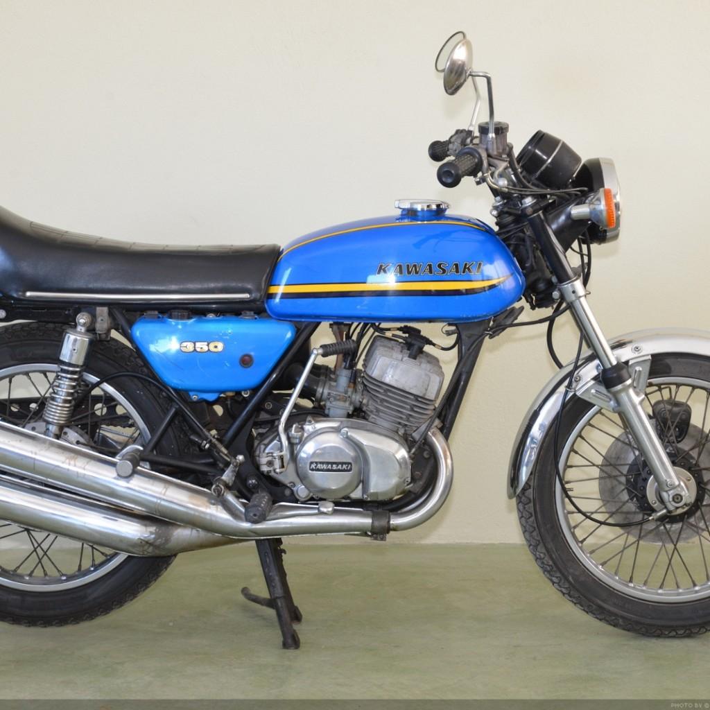 Kawasaki 350 Triple • 1973 •